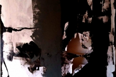 L'angelo di cenere, tecnica mista su tela strappata e legata, 150 x 200 cm, 2017